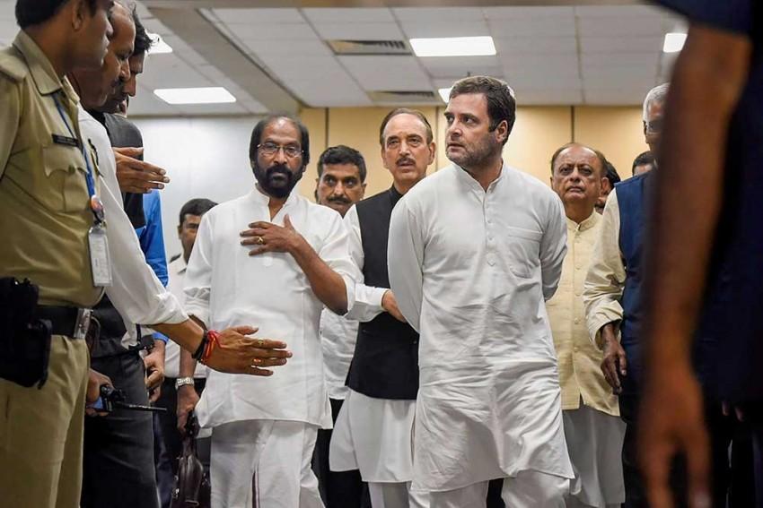 SC Closes Contempt Plea Against Rahul Gandhi For 'Chowkidar Chor Hai' Remark