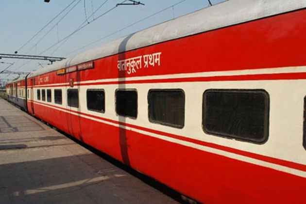 Railway Board To Hike Meal Prices On Rajdhani, Shatabdi, Duronto Trains