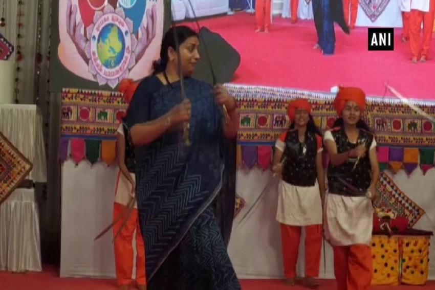 Swords In Hand, Smriti Irani Performs 'Talwar Raas' in Gujarat