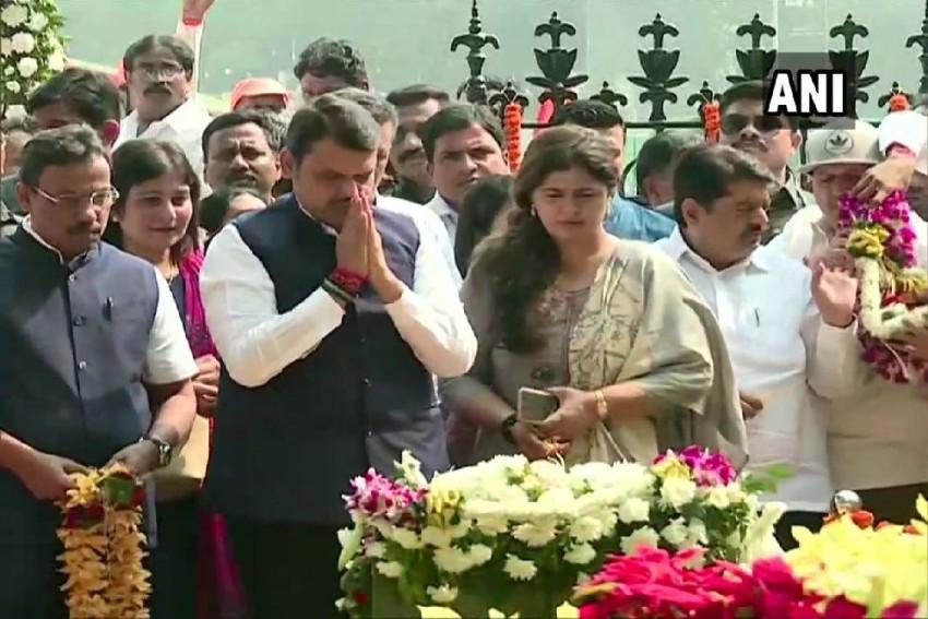 At Bal Thackeray's Memorial, Sena Workers Raise Slogans Against Fadnavis