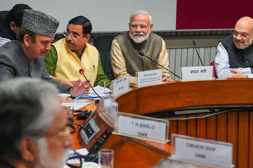 'Ready To Discuss': PM Modi Says As Opposition Raises Farooq Abdullah's Detention, Economic Slowdown