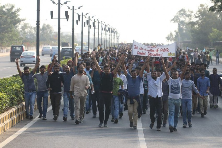 JNU Protest: Entry, Exit Closed At 3 Metro Stations Near Parliament As Students March