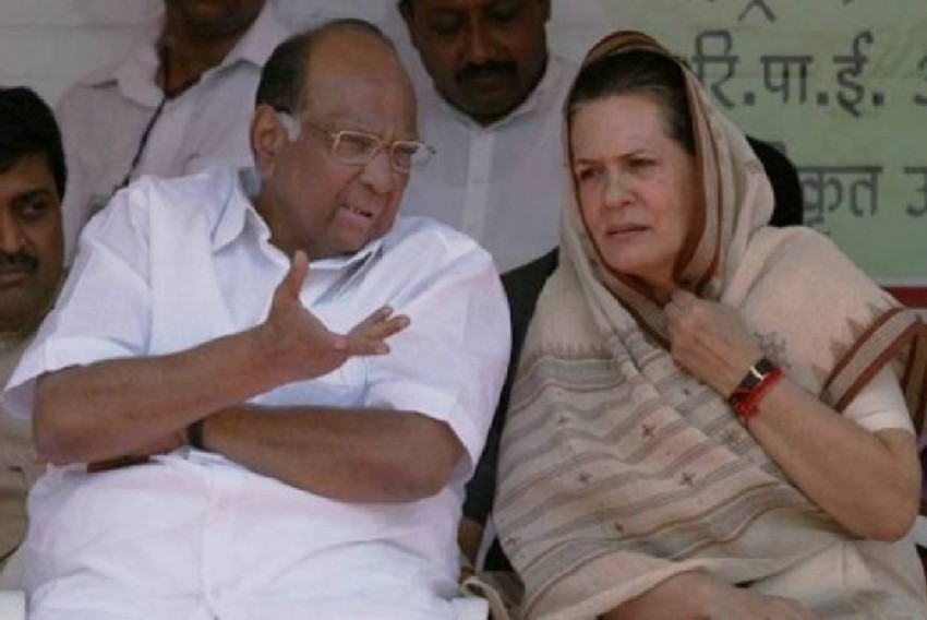 Sharad Pawar Meets Sonia Gandhi To Discuss Maharashtra Government Formation