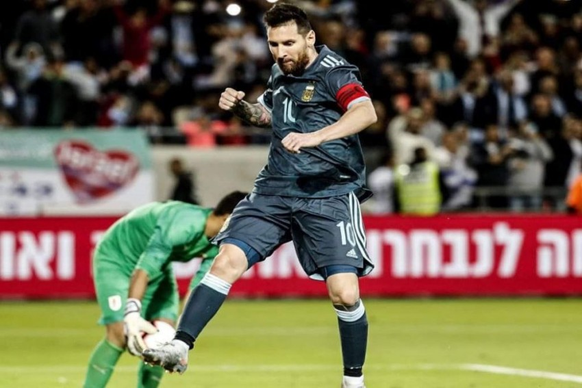 Lionel Messi Penalty Helps Argentina Hold Uruguay In Friendly