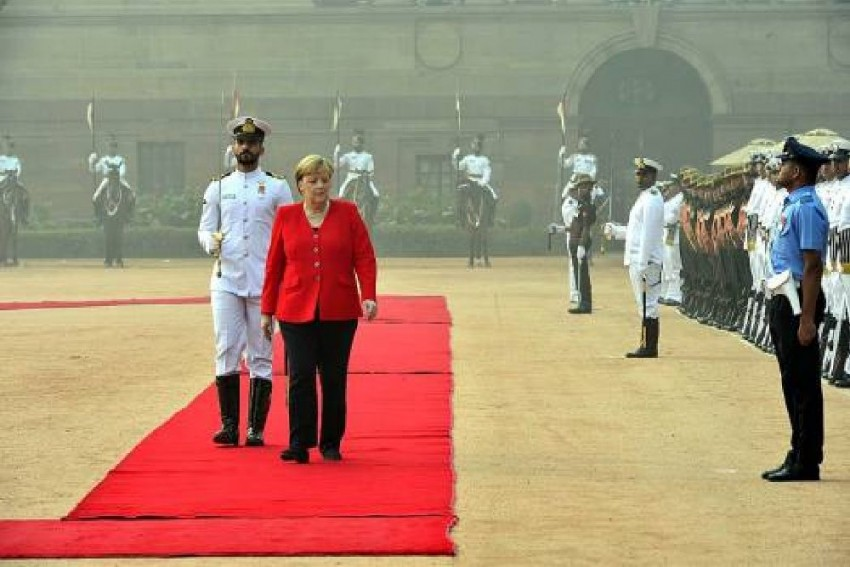 Delhi's Toxic Haze Makes Angela Merkel Say: 'Replace Diesel Buses With Electric Ones'