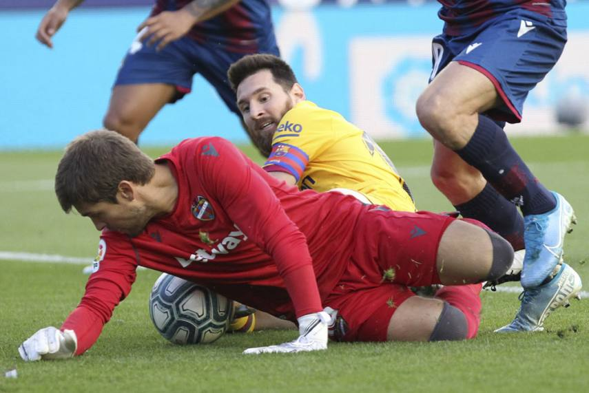 Levante 3 1 Barcelona Leaders Stunned After Second Half Collapse