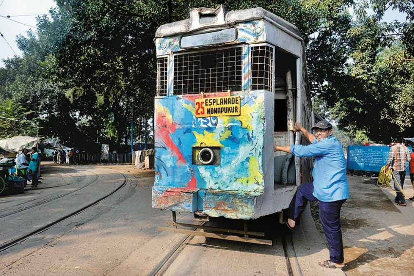 24 Hours In Life Of Mohammed Sayeed: Always On Track With Calcutta's Splendour