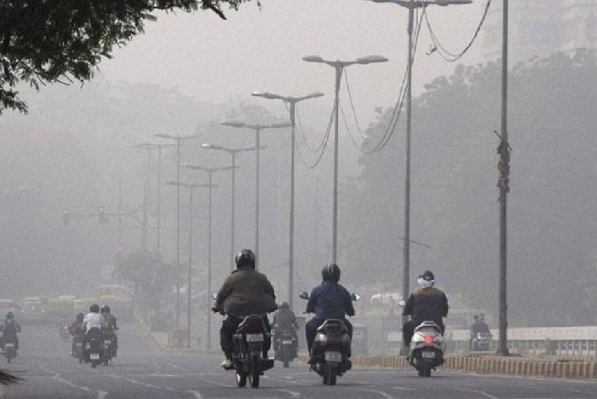 Air Quality Dips To 'Severe' In Several Parts Of Delhi, Haze Returns