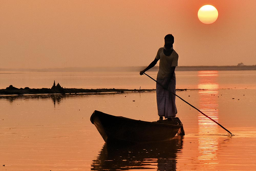Another Day, Another Journey: 24 Hours In The Life Of A Brahmaputra Boatman