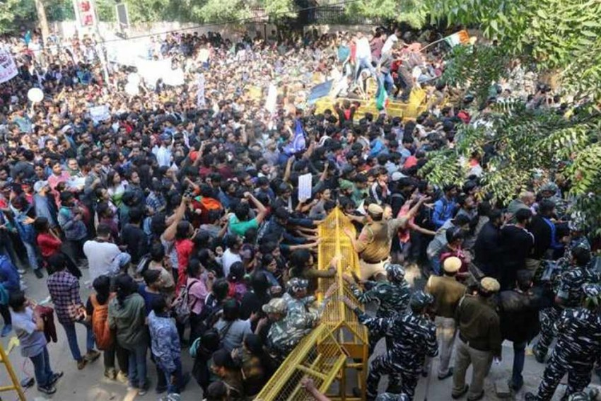JNU VC Deserves Compliments -- For Passionate Zeal To Destroy Varsity & His Loyalty To Masters