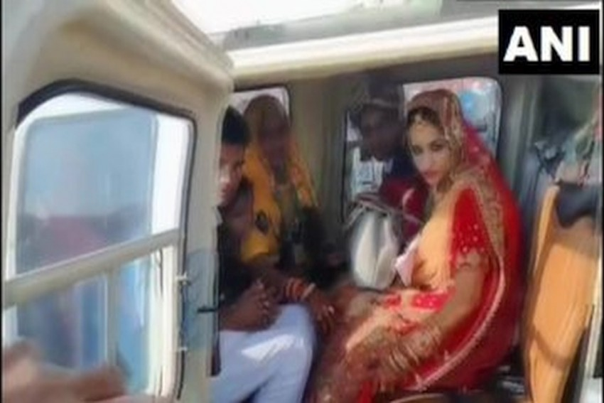 Bride Bids Farewell With Husband On Helicopter After Marriage In Rajasthan