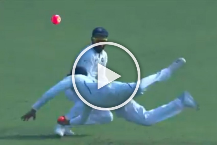 IND Vs BAN, Day-Night Test: Flying Rohit Sharma Steals Catch From Skipper Virat Kohli With Stunning Effort - WATCH
