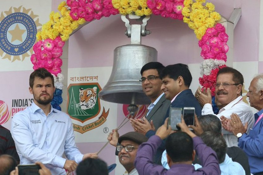 IND Vs BAN, Day-Night Test: Viswanathan Anand, Magnus Carlsen Ring Eden Gardens Bell On Day 2