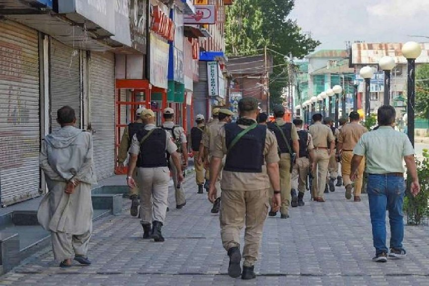 Protests By J&K Detained Leaders Over Frisking Of Their Kids, Kin By Police