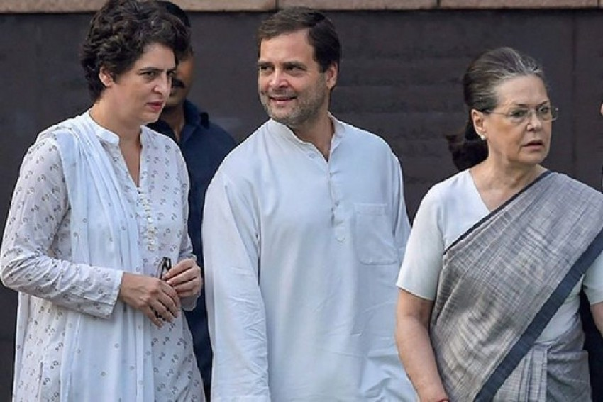 SPG Cover To Vulnerable Gandhis Needs To Be Reinstated