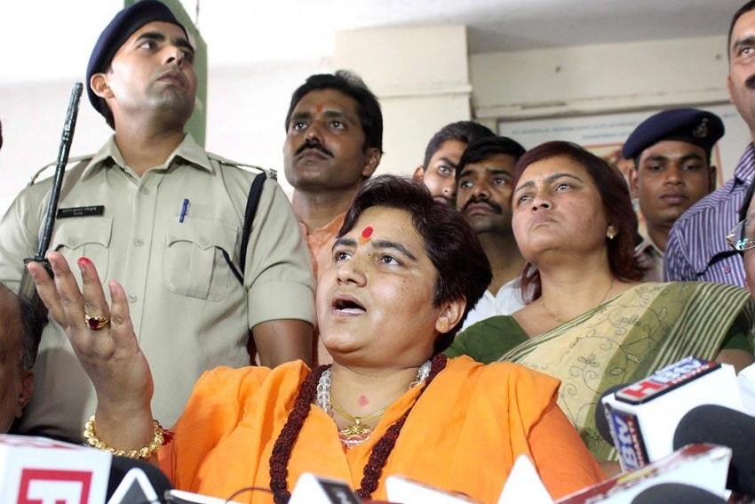 After Threatening To Burn Pragya Thakur, Congress MLA Apologises