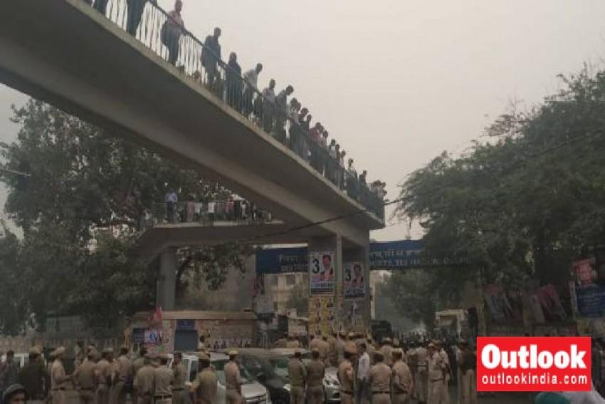 Tees Hazari Violence: Delhi HC Chief Judge Meets Police Officials To Discuss Situation