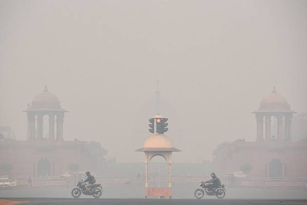 Delhi Records Poorest Air Quality In 3 Years, Centre Holds Meet To Review Situation