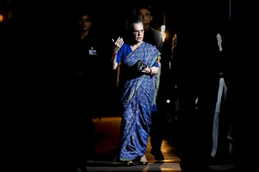 'Illegal, Unconstitutional, Shameful': Sonia Gandhi Shreds Govt Over WhatsApp Snooping Row