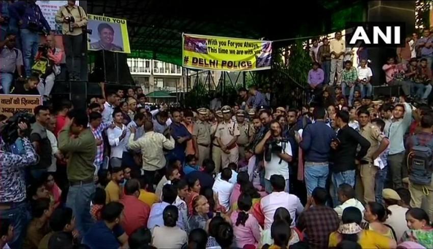 Live Updates: Delhi Cops Call Off Day-Long Strike After Several Appeals, Assurances