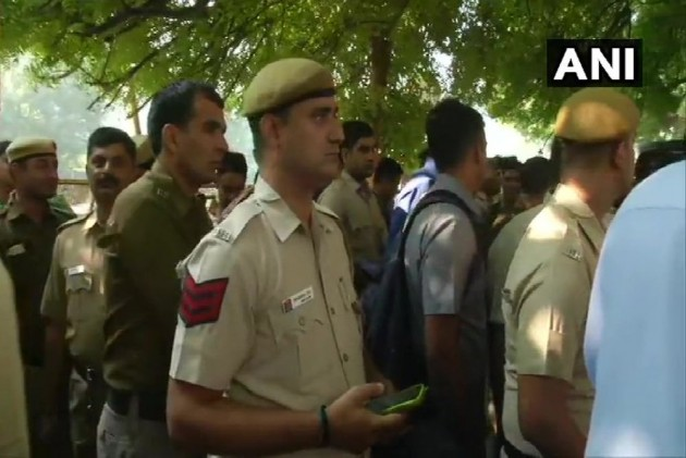 'We Want Justice': Delhi Cops Protest Outside Police HQ After Clash With Lawyers