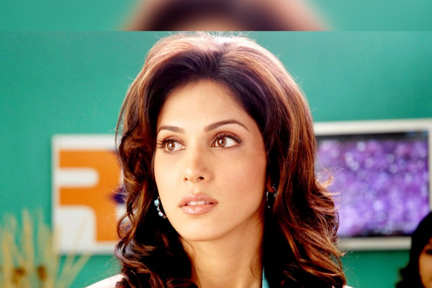Isha  Koppikar Reveals Horrific Casting Couch Experience: A Superstar Wanted Me To Meet Him Alone