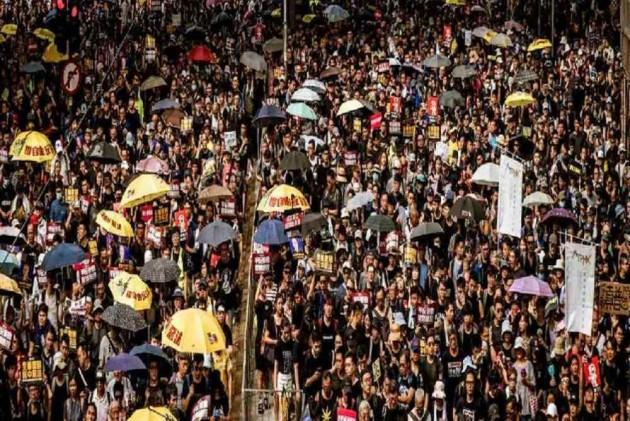 Hong Kong's Economic Woes Deepen Amid Protests, Global Trade Wars