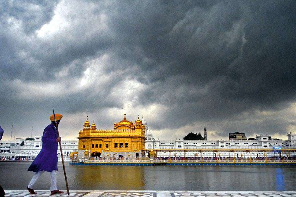 Sikhs Of India - History Proves That They Are Distinct And Different From Others