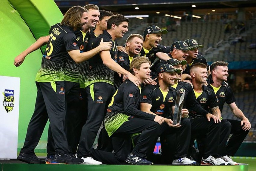 Rampant Australia Crush Pakistan, Clinch T20 Series