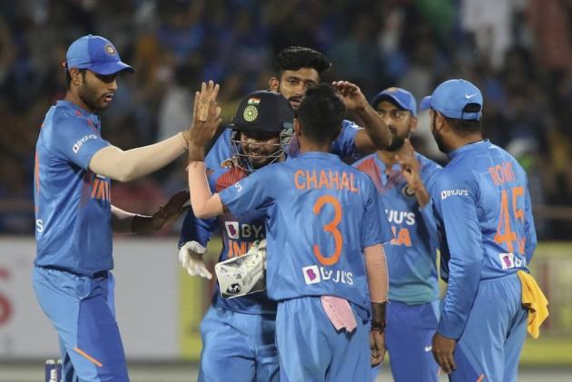 IND Vs BAN, 2nd T20I: Legendary Kumar Sangakkara Gives Struggling Rishabh Pant Best Possible Advice