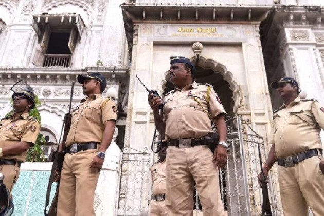 Ayodhya Verdict Comes Amid Tight Security; Police Monitor Social Media To Check Rumours, Hate Comments