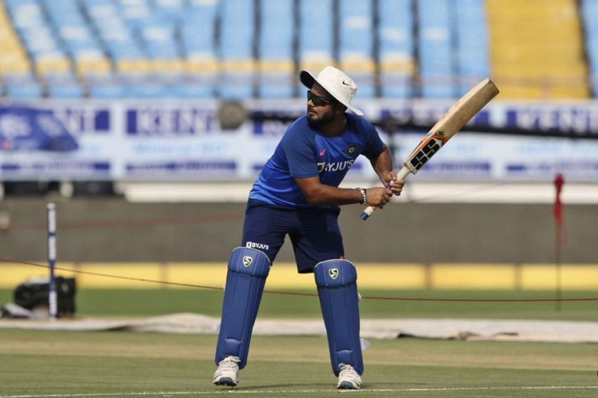 India Vs Bangladesh: 'Keep Your Eyes Away From Rishabh Pant For A While' - Rohit Sharma