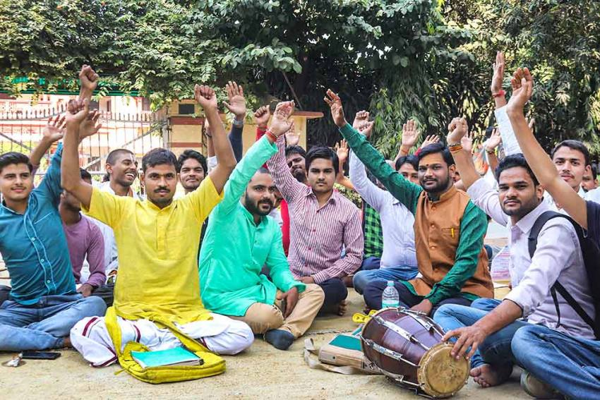 'Ran To Save My Life': BHU Professor Attacked By Students For Supporting Feroze Khan