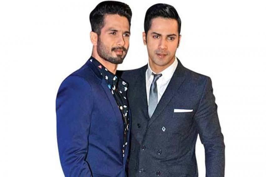 Varun Dhawan Replaces Shahid Kapoor, Performs At The Award Function