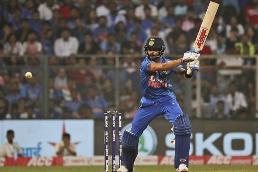 India Vs West Indies, 3rd T20I: 'A Special Gift' – Virat Kohli Bats For Anushka Sharma