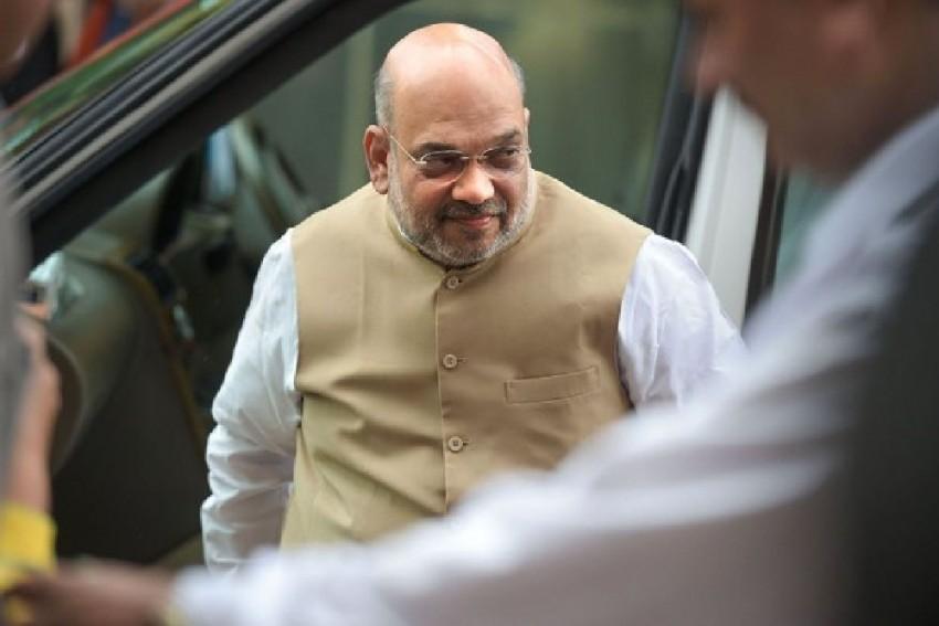 Amit Shah Visits BSF Headquarters In Delhi; Asks To Ensure 'Tight Vigil' Along Pakistan, Bangladesh Borders