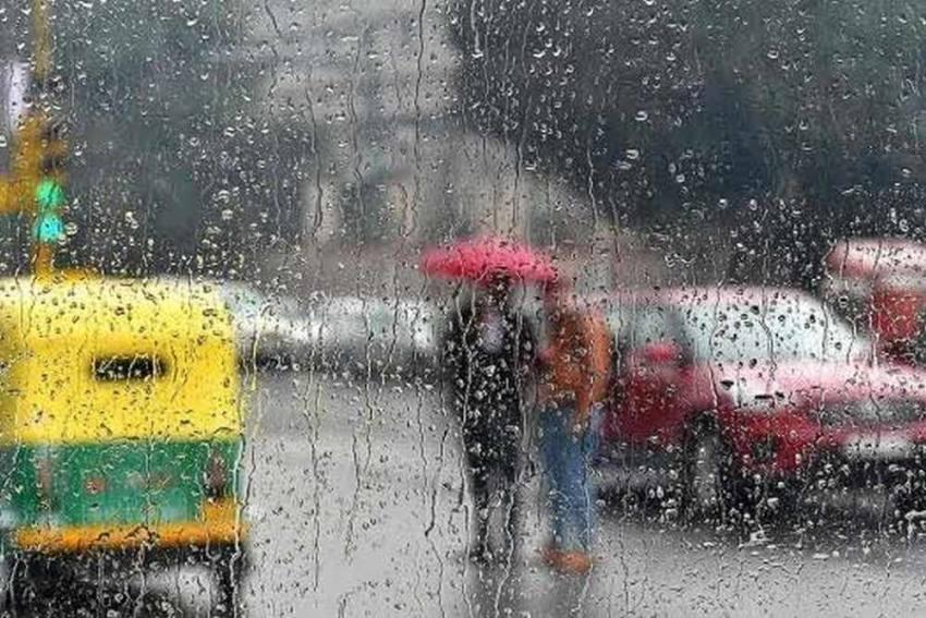 Delhi Air Quality Improves After Rain, Temperature Drops