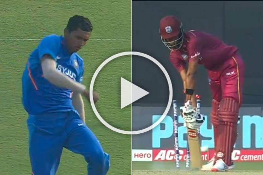 IND Vs WI, 3rd ODI: Debutant Navdeep Saini's Deadly Yorker Leaves Roston Chase Clueless In Cuttack - WATCH