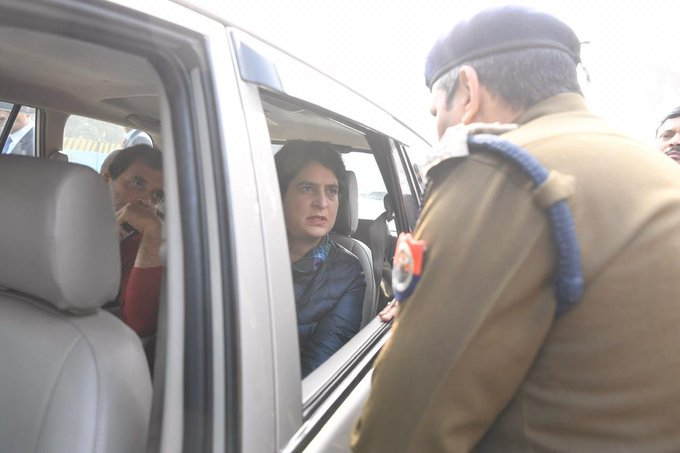 Rahul, Priyanka Stopped From Entering Meerut To Meet Families Of Protesters Killed In Violence