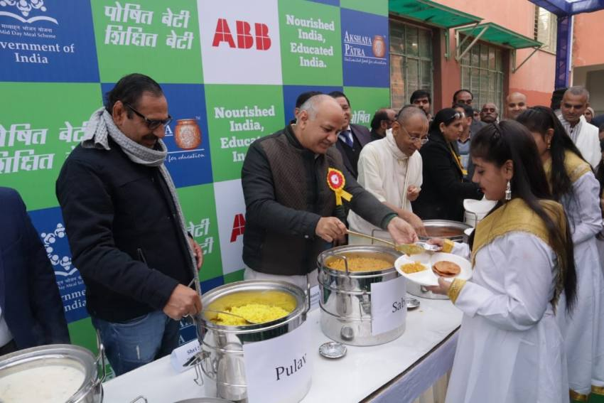 Sisodia Launches Akshaya Patra's New Kitchen To Provide Mid-day Meal To School Kids In Delhi