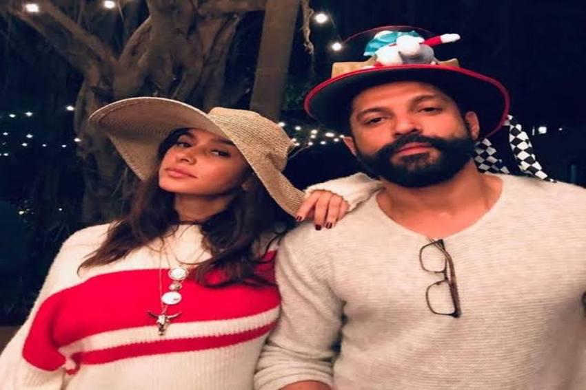 Farhan Akhtar Celebrates Christmas With Ladylove Shibani Dandekar
