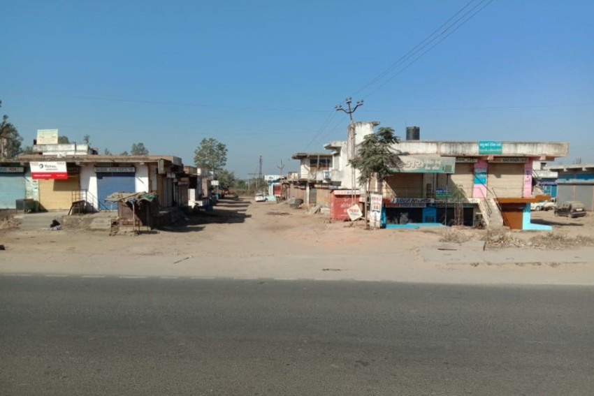 Self-Imposed 'Janta Curfew' Observed To Protest CAA, NRC In Gujarat's Modasa Town