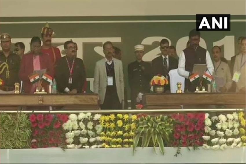 JMM's Hemant Soren Sworn In As Jharkhand CM In Presence Of Mamata Banerjee, Rahul Gandhi, MK Stalin