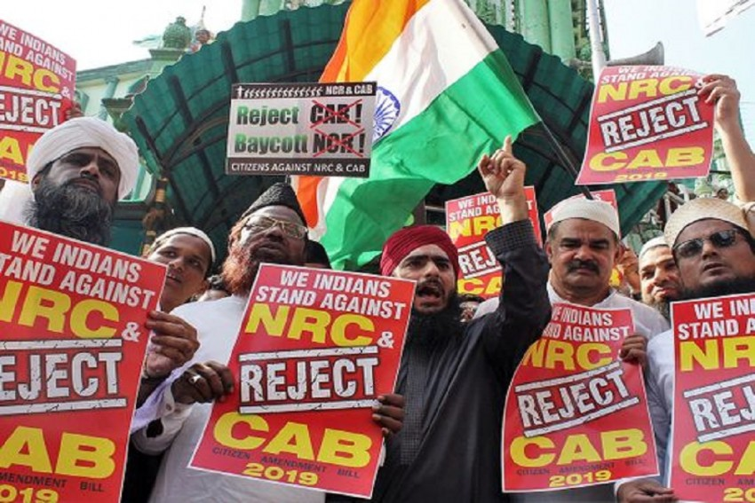Indian Expats In UAE Submit Memorandum To Indian Embassy; Want CAA Revoked