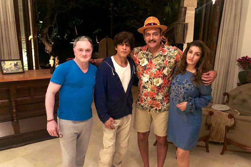 Ravi Shastri Spends Time With Shah Rukh Khan, Raveena Tandon; Wishes Team India A 'Happy New Year'
