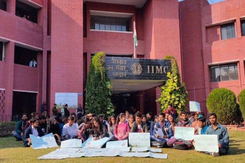 'It's Unaffordable': After JNU, Now IIMC Students Protest Against Fee Hike