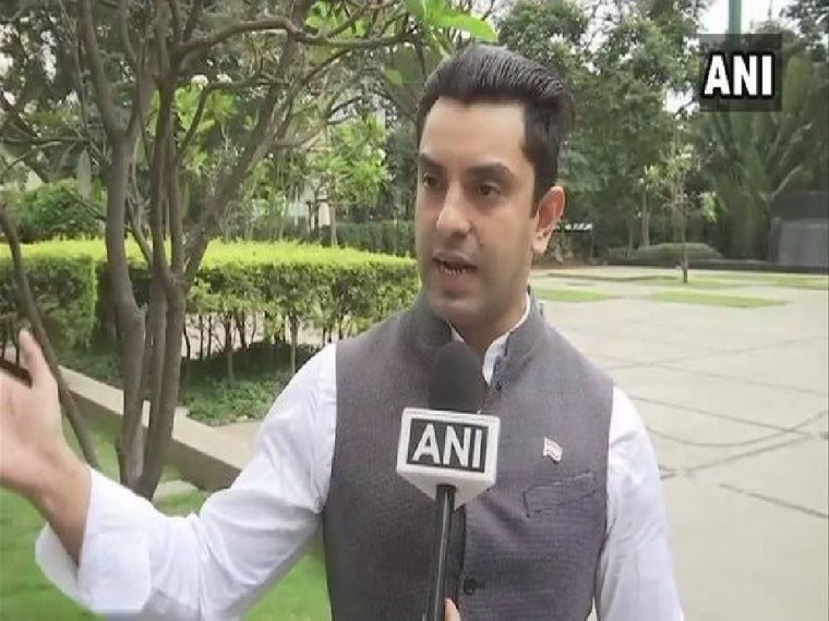 Tehseen Poonawalla Protests With Wheelchair Over Soaring Onion Prices