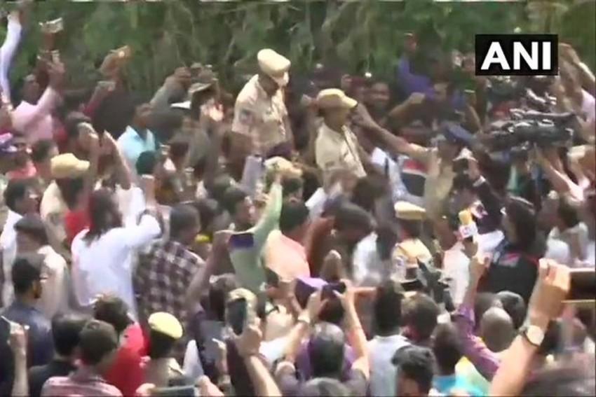 People Hail Encounter Death Of 4 Rape Accused In Telangana