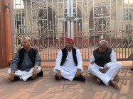 Akhilesh Yadav Sits On Dharna To Protest Against Unnao Rape Case, Demands UP Govt's Removal