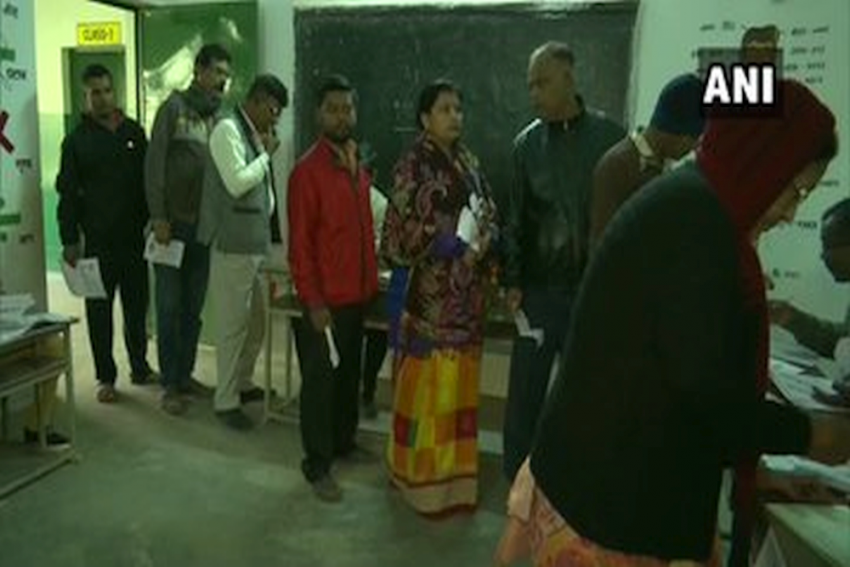58.8 Per Cent  Voting In Jharkhand Till 3 PM Amid Violence, 1 Killed